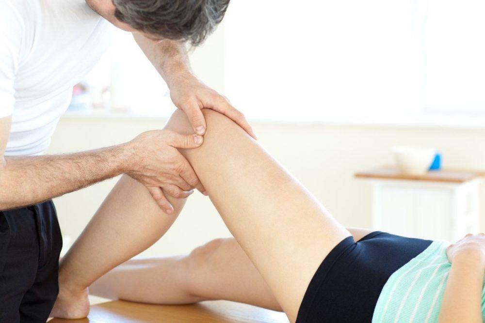 Αθλητικό μασάζ για θεραπεία σε αθλήτρια