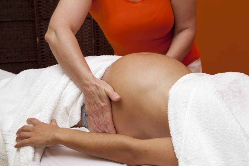 Μασάζ εγκυμοσύνης στις έγκυες γυναίκες