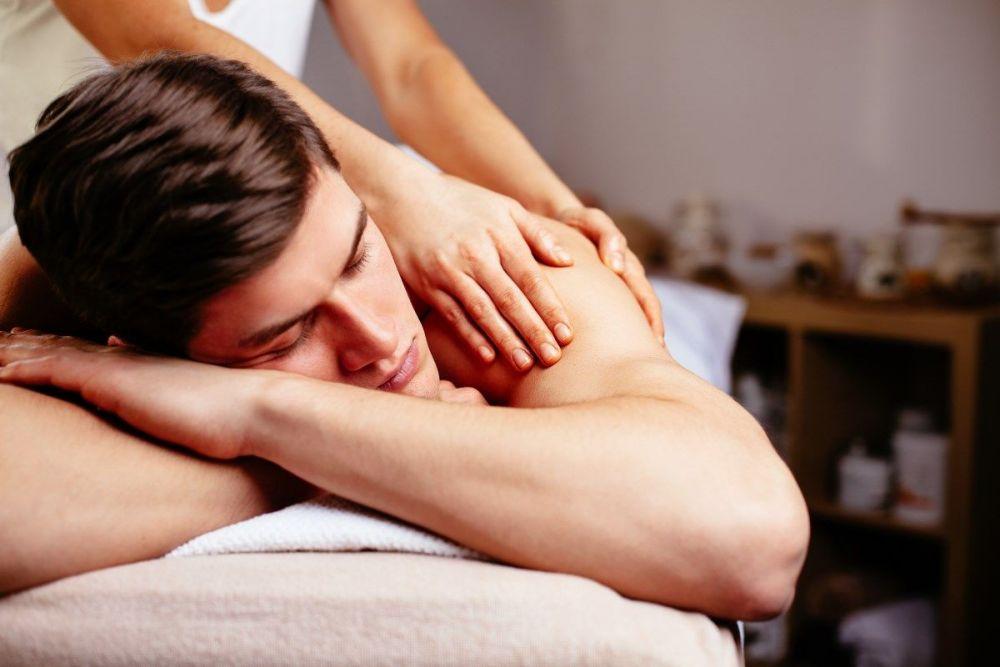 Χαλαρωτικό Anti stress μασάζ σώματος σε άντρα
